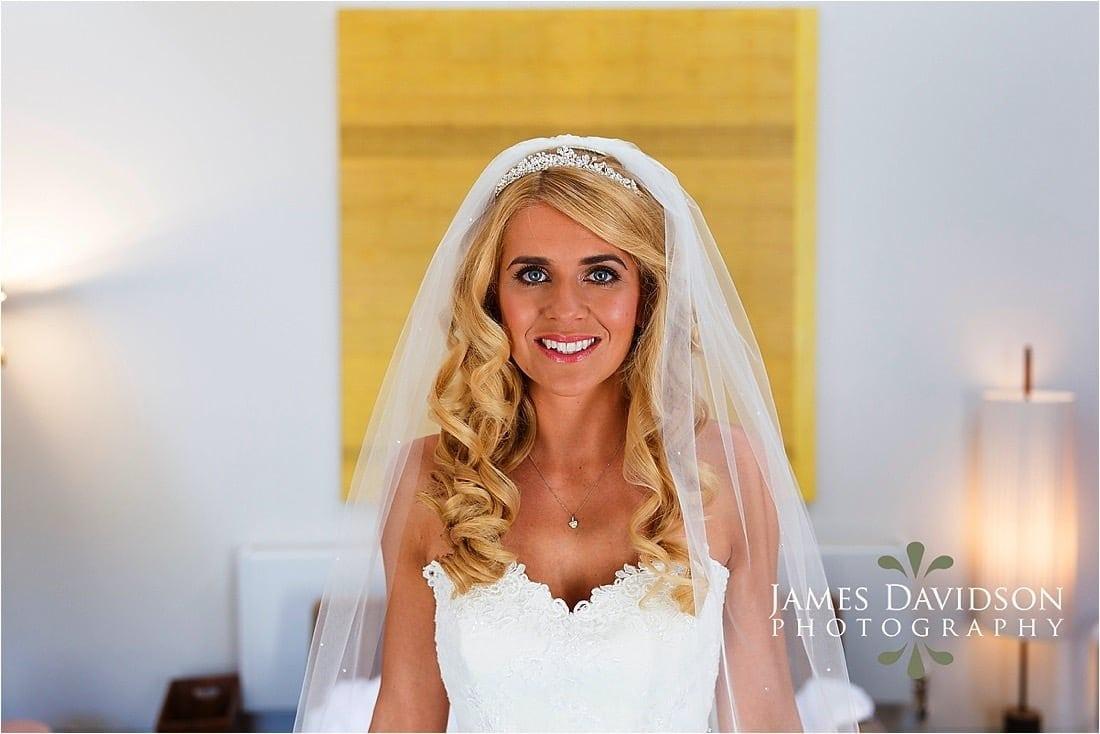 cowley-manor-wedding-026.jpg