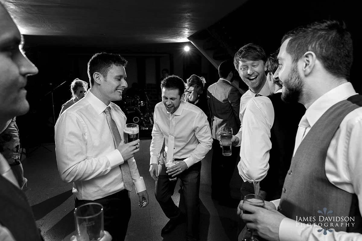 moreves-barn-wedding-096.jpg