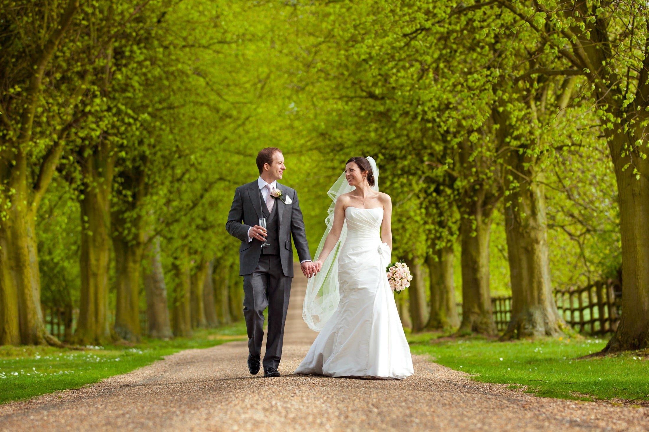 Notley Abbey wedding photographer | Sarah + Anthony