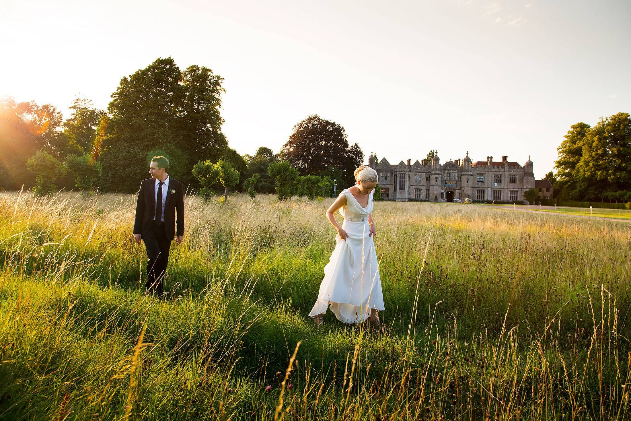 HENGRAVE HALL SUMMER WEDDING PHOTOS OF LIZZY & NEIL