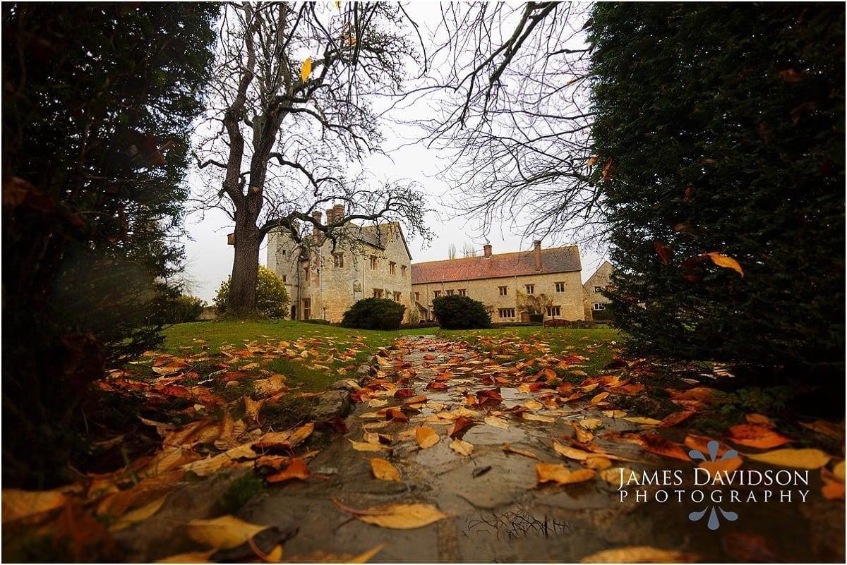 notley-abbey-autumn-002.jpg