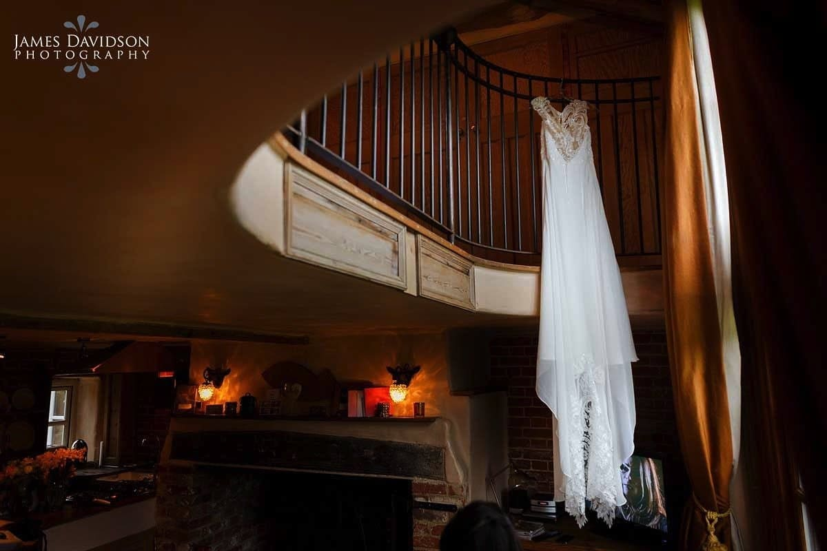 moreves-barn-wedding-003.jpg