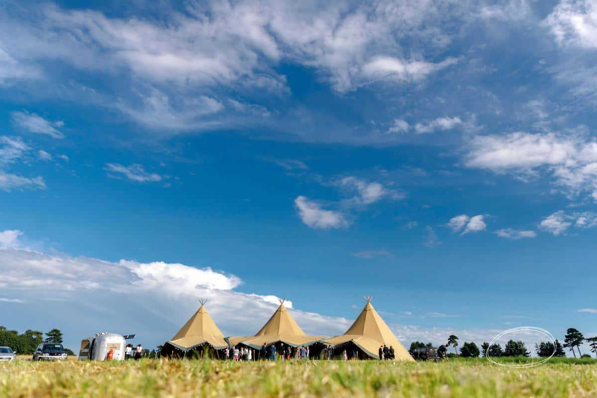 Suffolk tetipi wedding