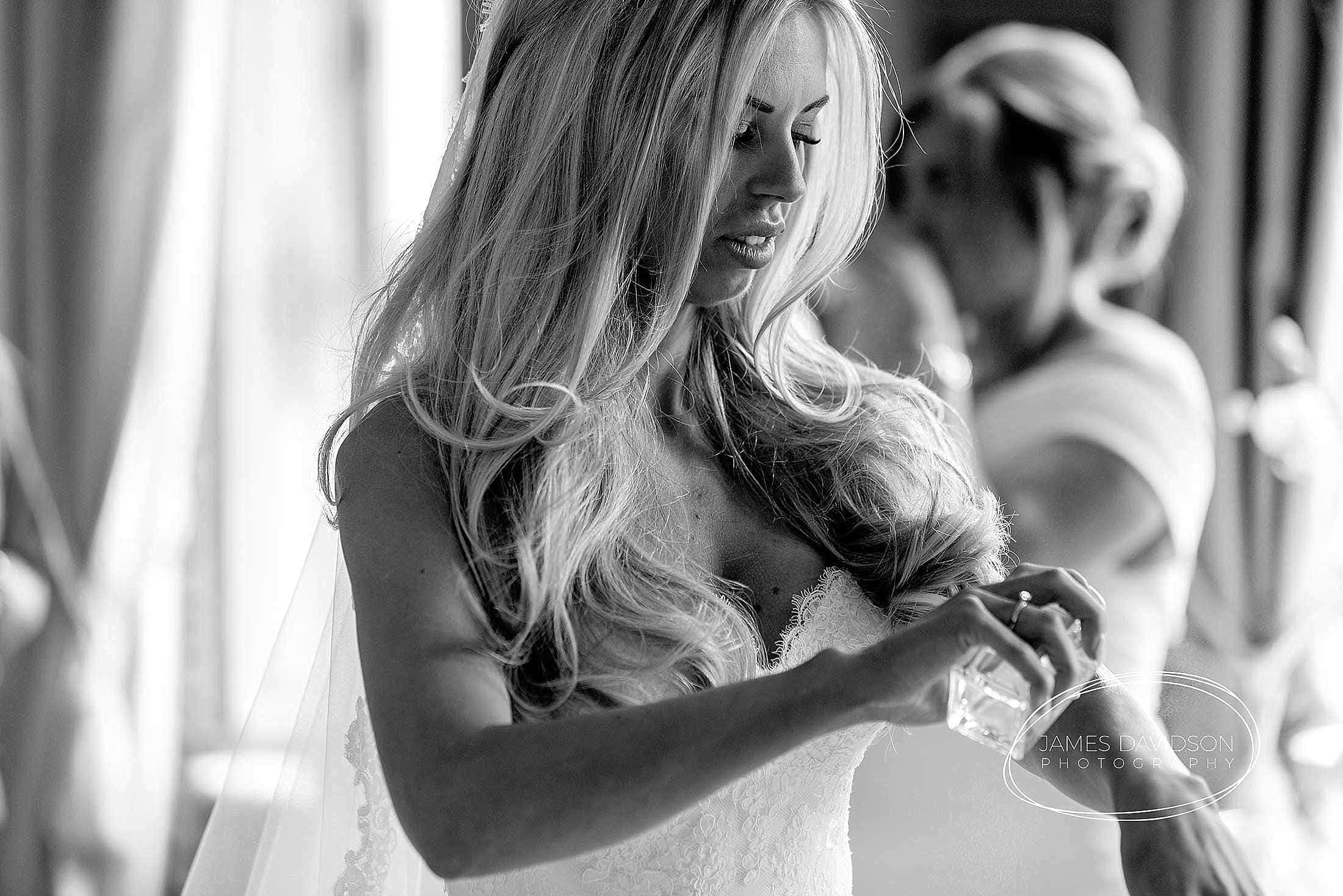 gosfield-hall-wedding-photography-035