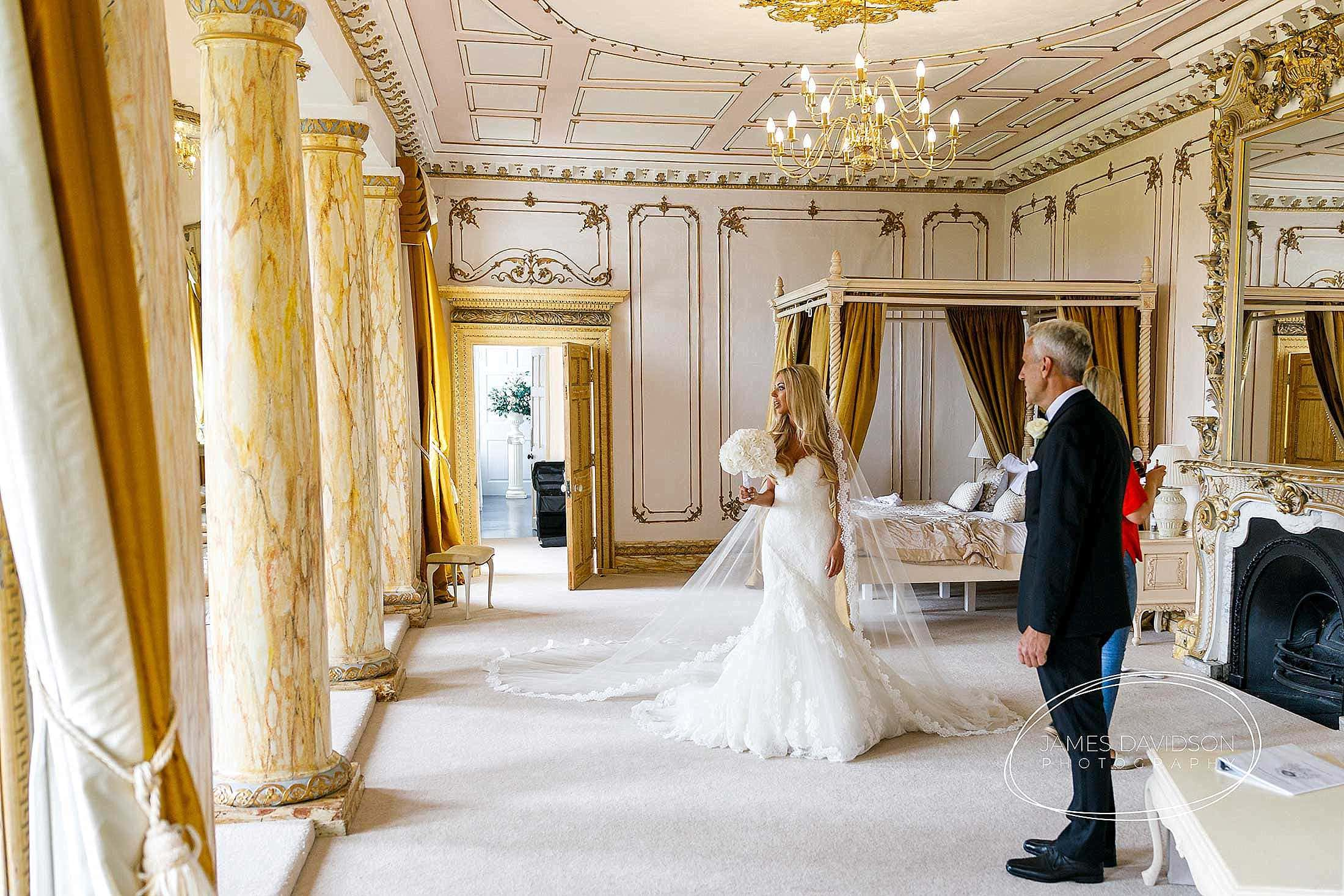gosfield-hall-wedding-photography-042