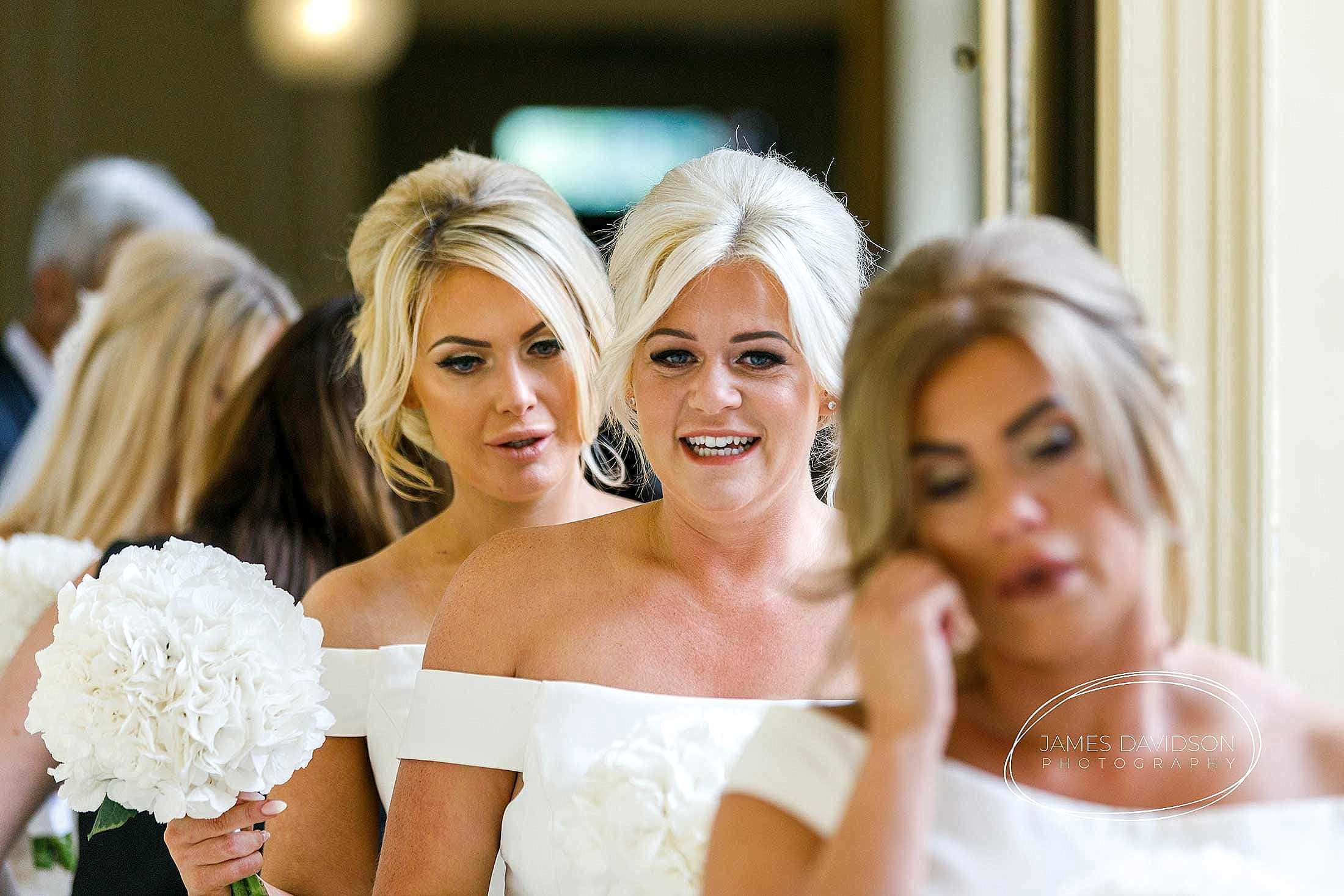 gosfield-hall-wedding-photography-045