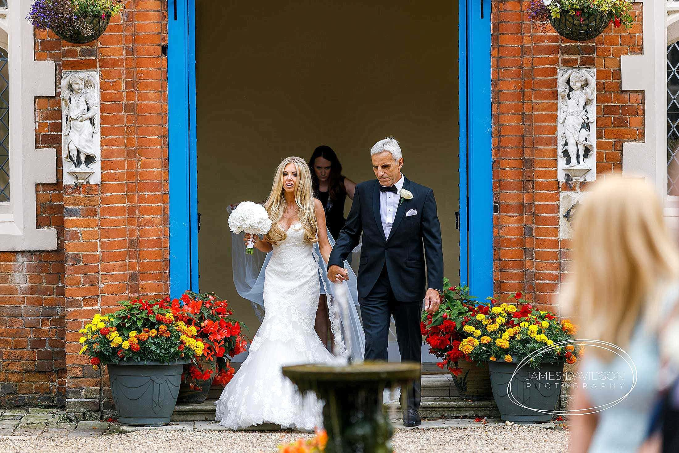 gosfield-hall-wedding-photography-046