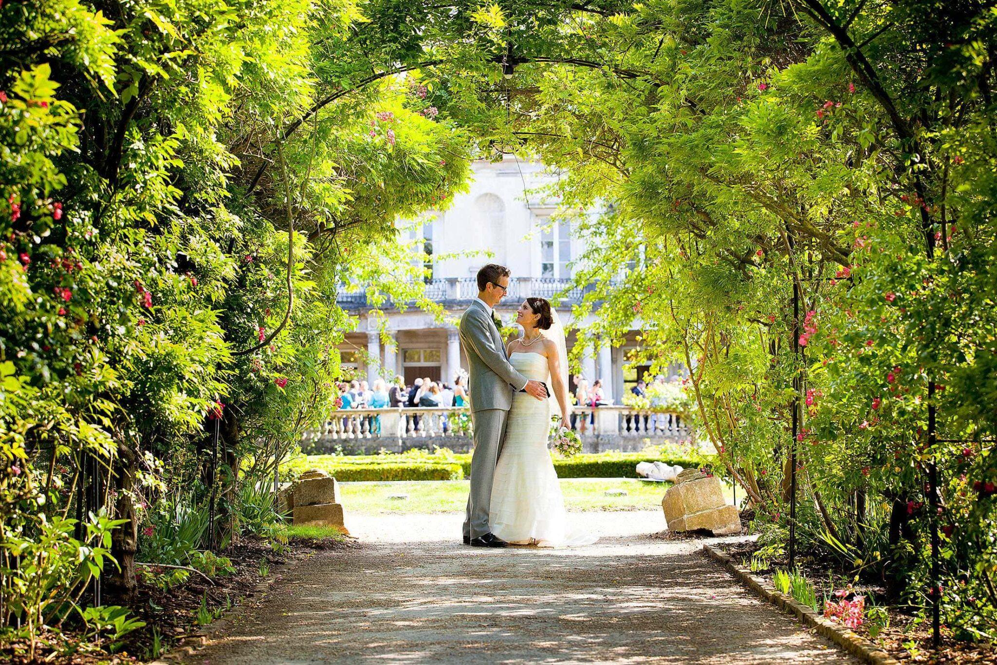 Grove House wedding photography of Liz & Simon