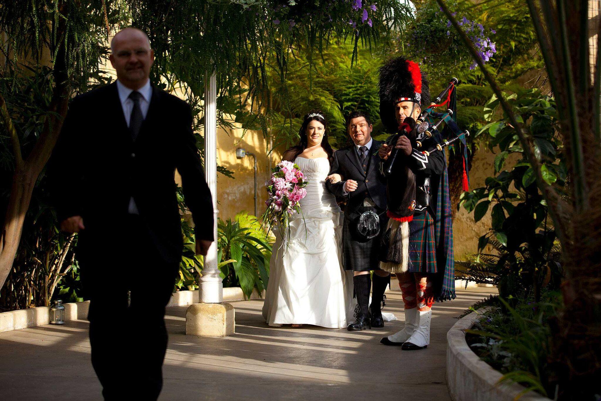 Syon Park wedding bagpiper