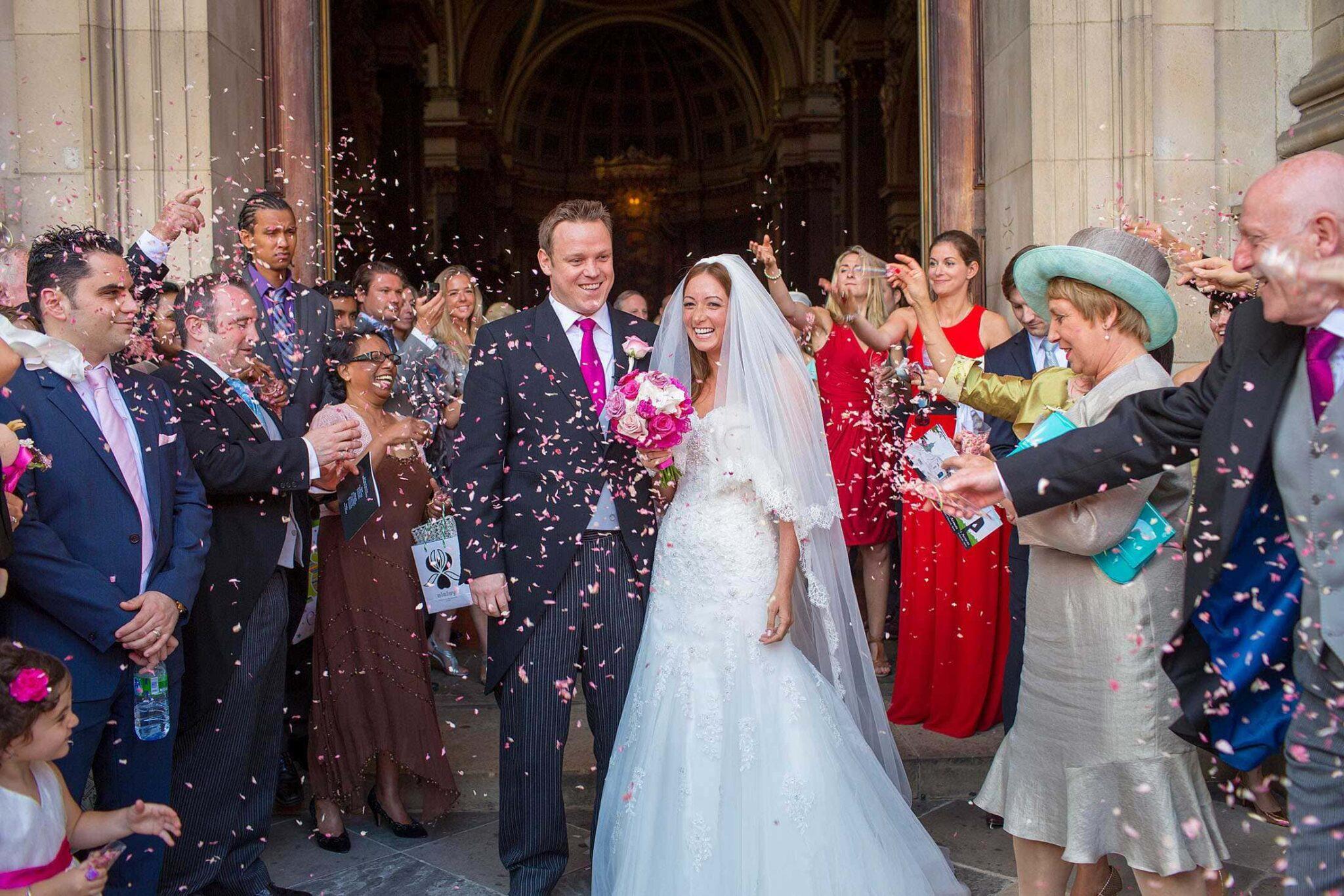 Ravens Ait wedding photographer | Debi & Ian