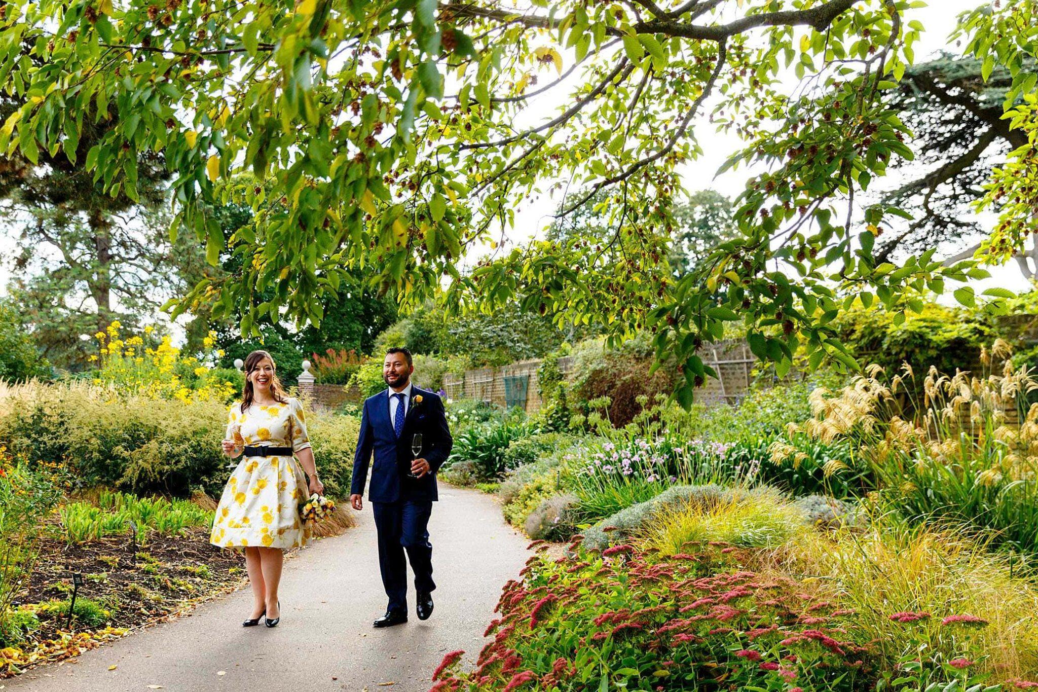 Cambridge Cottage wedding photos of Katy and Rico