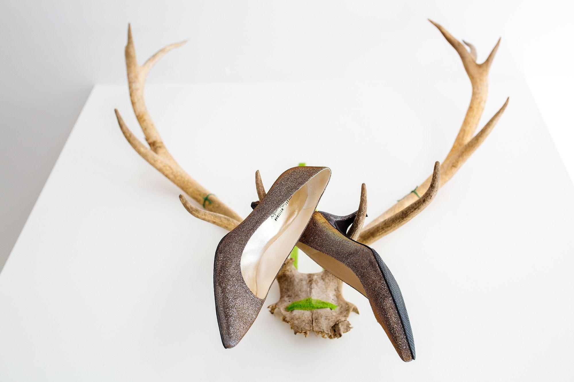 bridal shoes hunting horns